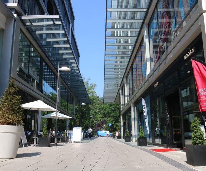 Dr. Dippe - Plastische Chirurgie Frankfurt - Praxis von der Straße