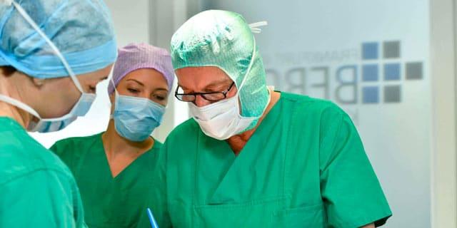 Dr. Dippe - Plastische Chirurgie Frankfurt - OP Team